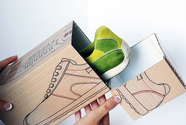 To answer a new ecological demand, Camper creates a recycled cardboard box.